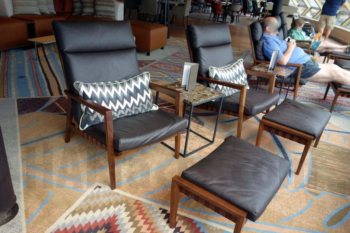 zudmobsd-New lounge chairs in Crow's Nest