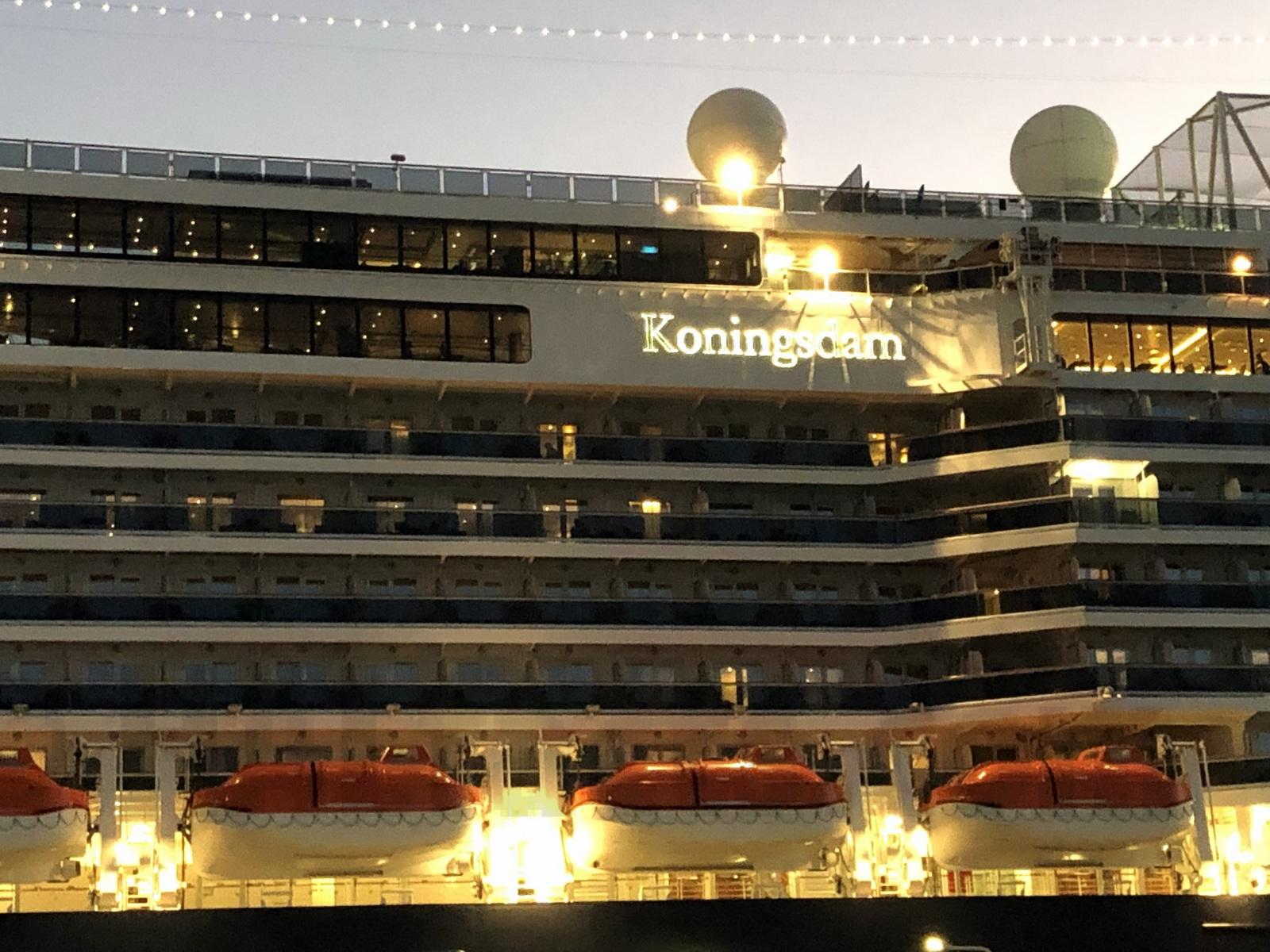 kodm4012-Koningsdam at night